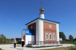 hram-chasovnya-s-pokur-vnesh
