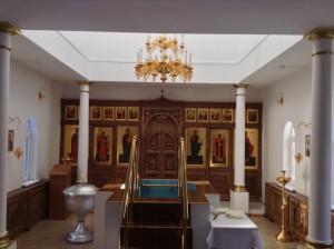 krestiln-hram-g-pokachi-vnutr