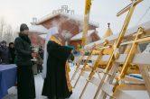 17 декабря. Освящение куполов, крестов и колоколов строящегося храма в честь блж. Матроны Московской, г. Нижневартовск