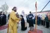 10 июня. Митрополит Павел освятил закладной камень храма в честь архистратига Михаила в г. Нефтеюганске.