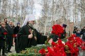 9 мая. Митрополит Павел принял участие в торжественных мероприятиях посвященных 72-й годовщине Великой Победы, г. Ханты-Мансийск.