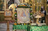 3 июня. Митрополит Павел совершил Всенощное бдение в храме в честь Святой Троицы пгт. Пойковский.