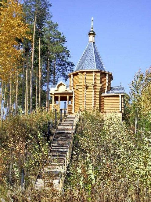 Храм в честь святого мученика Федора Тобольского 723 км.