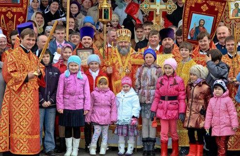 Православные нижнесортымцы встречали архипастыря на Светлой Седмице
