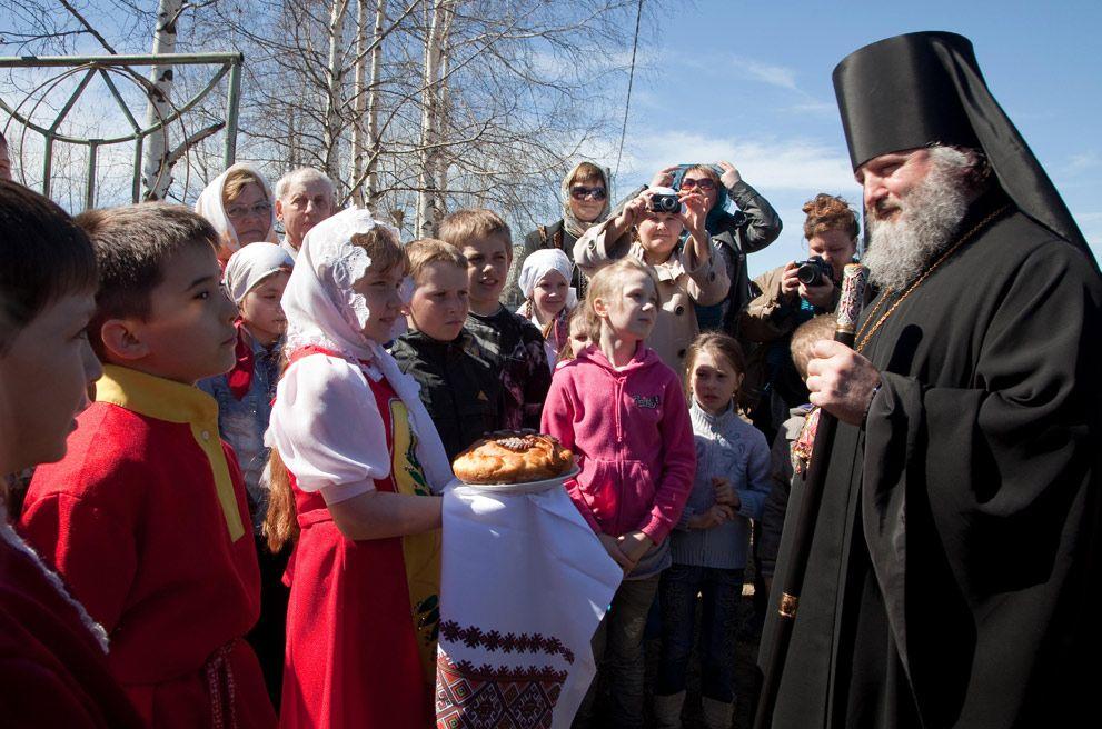 Епископ Ханты-Мансийский и Сургутский Павел посетил поселок Малиновский
