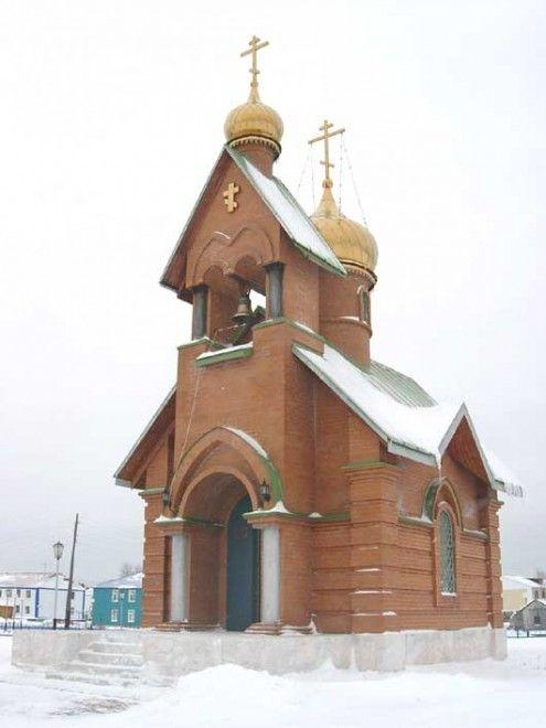 Храм во имя священномученика Гермогена, епископа Тобольского и новомучеников и исповедников Российских п. Новоаганск