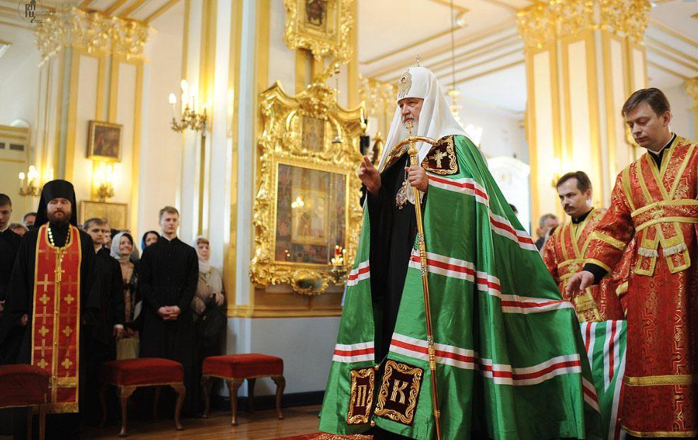 Епископ Ханты-Мансийский и Сургутский Павел сослужил Святейшему Патриарху Кириллу в Николо-Богоявленском Морском соборе Петербурга