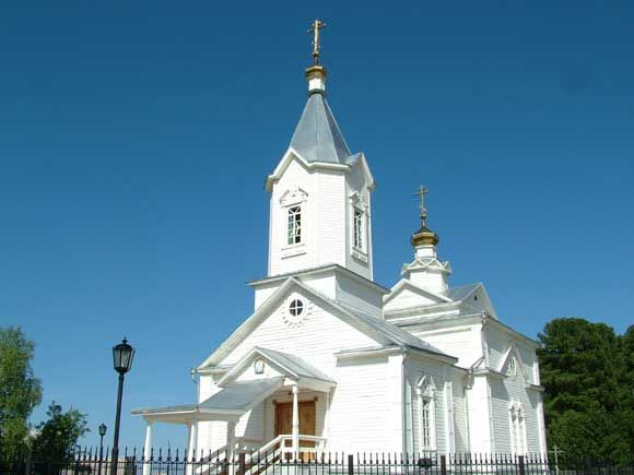 Храм во имя святого великомученика и целителя Пантелеимона п. Тундрино
