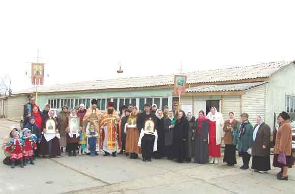 Храм во имя великомученика Георгия Победоносца п. Юганская Обь